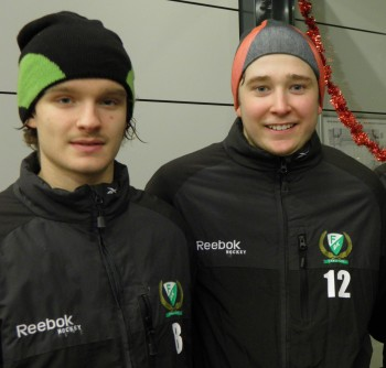 Johan med J20-kollegan Wilhelm Westlund, som redan har redan kontrakt med A-laget.   Foto: Marie Angle/fbkbloggen