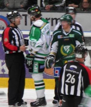 Matchen tände till lite efter Nygårds tackling på Lintner. Foto: Marie Angle/fbkbloggen