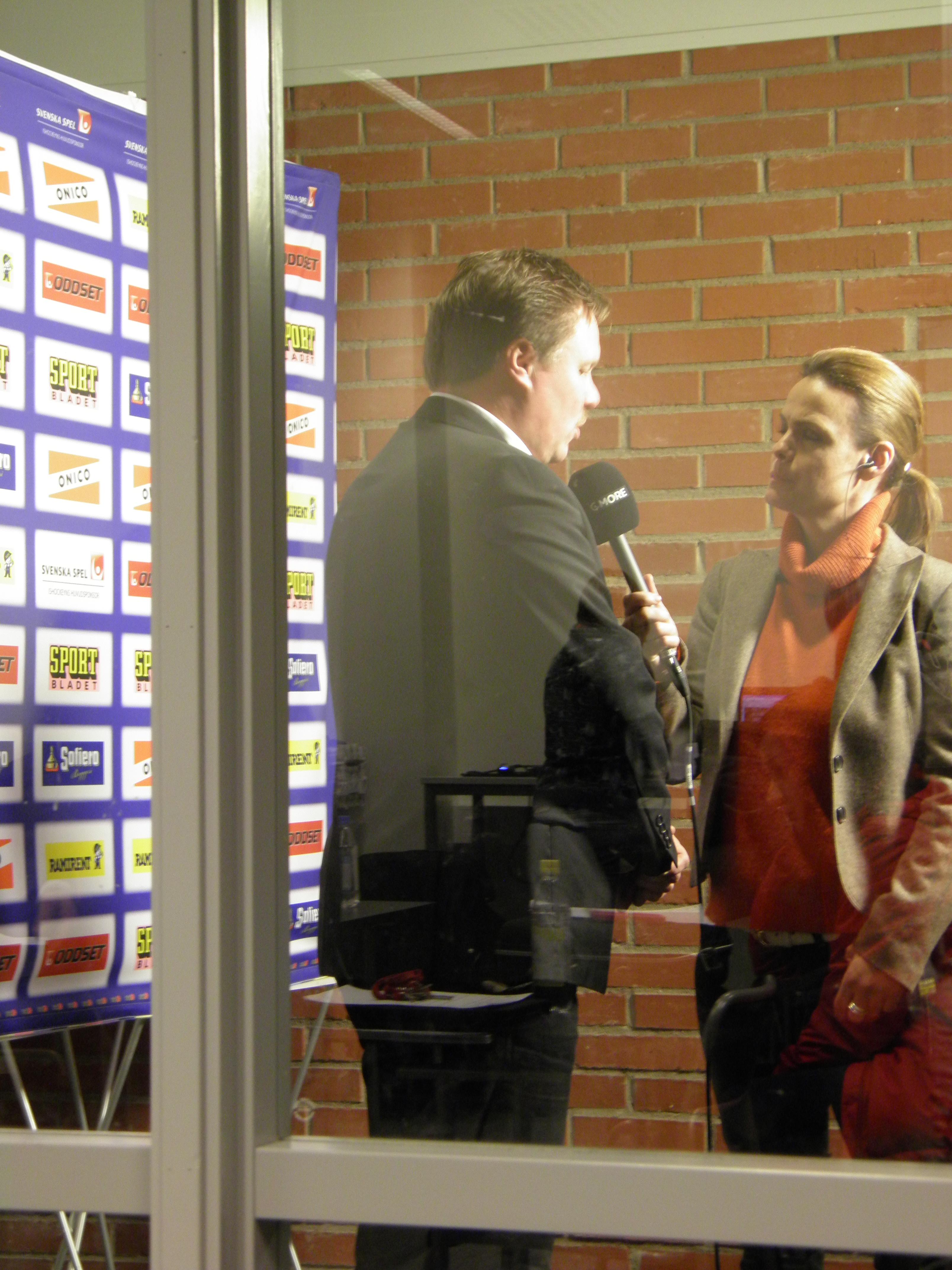 Leif Carlsson var ett hetare villebråd än Anders Forsberg efter matchen. Foto: Marie Angle/fbkbloggen