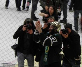 Minskar medias bevakning när Stockholm inte har något lag med i hetluften? Och hur påverkar det i så fall hockeyns framtid?  Foto: Marie Angle/fbkbloggen