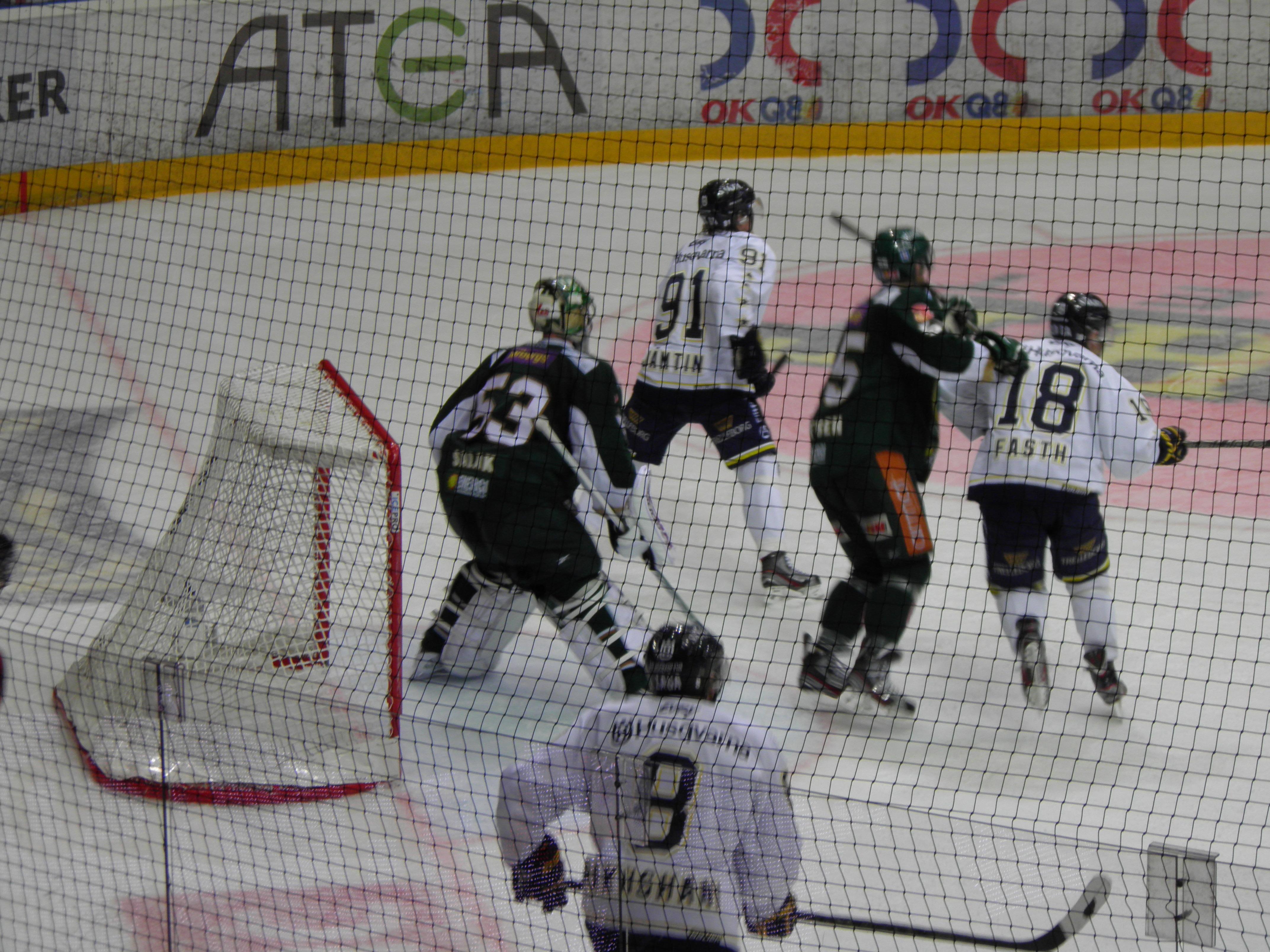 """Onödigt spännande? """"Vi fick kriga för poängen på slutet!"""" konstaterade Leif Carlsson på presskonferensen. Foto: Marie Angle/fbkbloggen"""