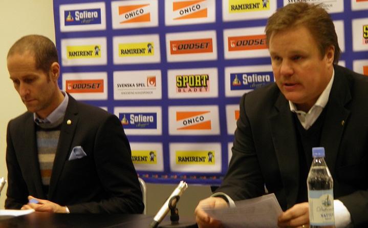Forsberg och Carlsson vid Forsbergs sista presskonferens som Skellefteåcoach i LLA 29/1. Foto: Marie Angle/fbkbloggen