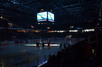 Publiken har börjat strömma till på allvar, 7759 åskådare var på plats denna eftermiddag. Foto: Robin Angle/fbkbloggen
