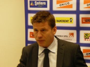 Ulf Samuelsson på presskonferensen efter kvartsfinal 1 12/3 2013. Foto: Marie Angle/fbkbloggen