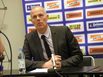 Modos assisterande coach, Peter Andersson, på presskonferensen efter kvartsfinal 3. Foto: Marie Angle/fbkbloggen