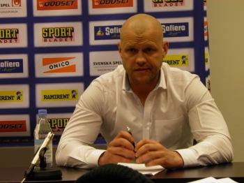 Andreas Johansson på presskonferensen efter kvartsfinal 3. Foto: Marie Angle/fbkbloggen