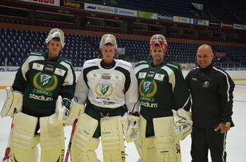 Granqvist, här med adepterna, och hans roll får inte underskattas när det gäller alla fantastiska målvakter som Färjestad fått fram under senare år! Foto: Robin Angle/fbkbloggen