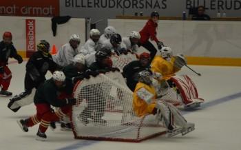 Färjestad Reebok Hockey Camp pågår för fullt och fick storpublik i väntan på A-lagets ispremiär. Foto: Robin Angle/fbkbloggen