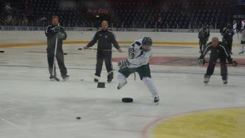 Connolly såg riktigt laddad ut på ispremiären! Foto: Robin Angle/fbkbloggen