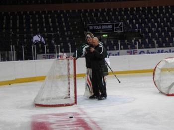 Granqvist och Bryzgalov har funnit varandra på isen, och ryssen ser gärna ett fortsatt samarbete under vintern. Foto: Marie Angle/fbkbloggen
