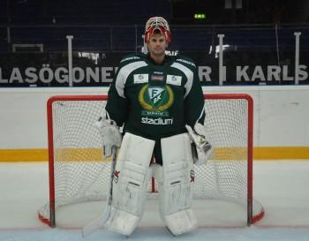 Danny Taylor imponerar - har snabbt anpassat sig till svensk hockey och stor is. Foto: Robin Angle/fbkbloggen