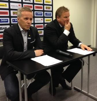 Skellefteås Hans Wallson och Färjestads Leif Carlsson på presskonferensen 26/9 2013 Foto: Marie Angle/fbkbloggen