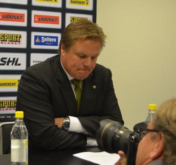 Tuffa dagar för Carlsson och de andra coacherna... Foto: Marie Angle/fbkbloggen
