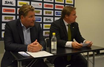 Leksands Andreas Appelgren och Färjestads Leif Carlsson under presskonferensen efter matchen. Foto: Robin Angle/fbkbloggen
