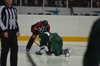 Nygård åkte på en bentackling men reste sig och avgjorde med sitt 2-1-mål matchen! Foto: Robin Angle/fbkbloggen
