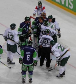 Att stå upp för laget är viktigt, och det är kanadensarna väldigt bra på, säger Anders Steen. Foto: Joakim Angle/fbkbloggen