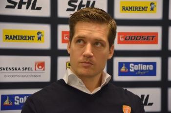 Sam Hallam på presskonferensen efter matchen Foto: Robin Angle/fbkbloggen