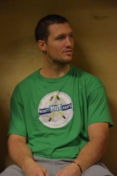 Ole-Kristian Tollefsen i omklädningsrummet efter den efterlängtade säsongsdebuten 2/10 2013. Foto: Robin Angle/fbkbloggen