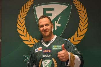 Christian Aarum gillar Färjestad! Foto: Robin Angle/fbkbloggen