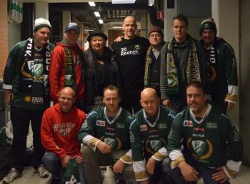 Gänget från Tönsberg Vikings tillsammans med Basse 23/11. Foto: Robin Angle/fbkbloggen