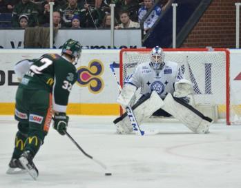 Tvåmålsskytten Magnus Nygren var en av spelarna som Carlsson ville lyfta fram lite extra efter matchen. Läckra mål bjöd han på, Nygga! Foto; Robin Angle/fbkbloggen