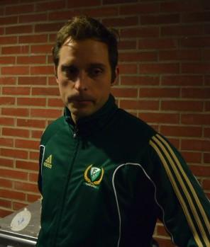 Mattias Hell och hans kollegor i medical team har hastigt, men mindre lustigt, fått en del att göra! Foto: Robin Angle/fbkbloggen