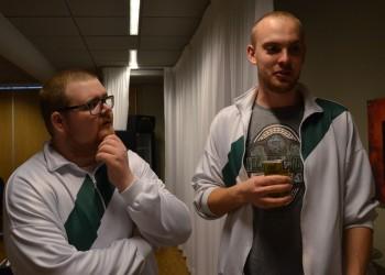 Bryggeriets Sebastian Helldin och Magnus Karlsson är några i gänget som står bakom ståplats tifon. Foto: Robin Angle/fbkbloggen