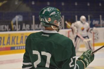 August spelar med nummer 27 på ryggen. Foto: Robin Angle/fbkbloggen